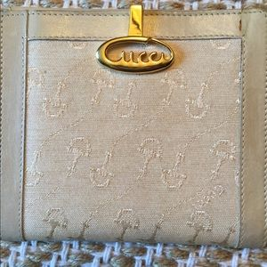 SALE! Authentic Gucci wallet 💕